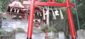 臥龍稲荷神社奥宮の朱色の鳥居