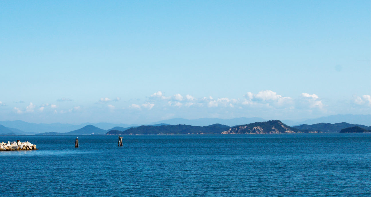 青い海が広がる瀬戸内海