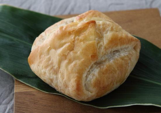 こんがりきつね色の焼き色のついたパイ