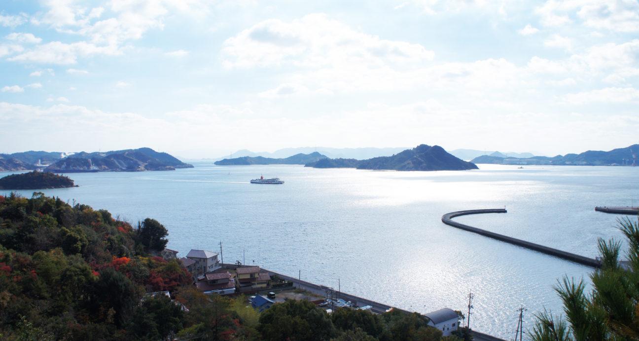 高辺山からの宇野港と瀬戸内海