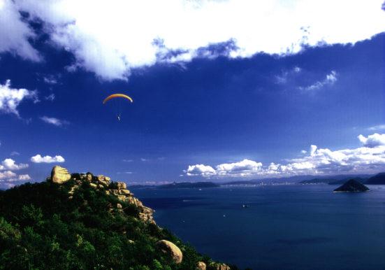 あの丘越えて海越えて